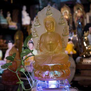 Tượng Phật Dược Sư Lưu Ly Bằng Lưu Ly